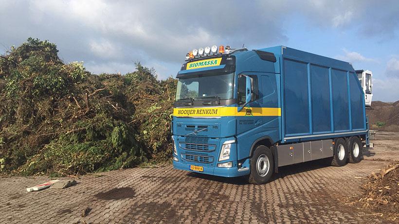 Nieuwe_Volvo_vrachtauto_Hooijer